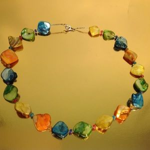 Jewelry - VINTAGE GLASS NECKLACE STUNNING COLORS 18 INCHES